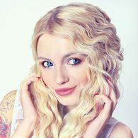 яркая блондинка вебкам модель modelmetv