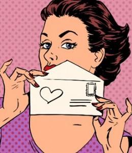 девушка отправляет письмо