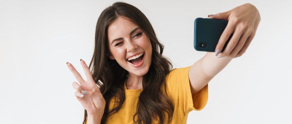 Модель видеочата и фотографии для профиля