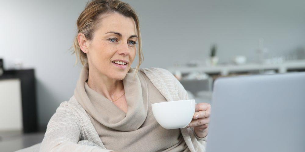работа на дому для женщины в 45 лет